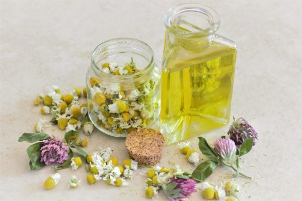 Aromatherapy and chamomile from Pixabay